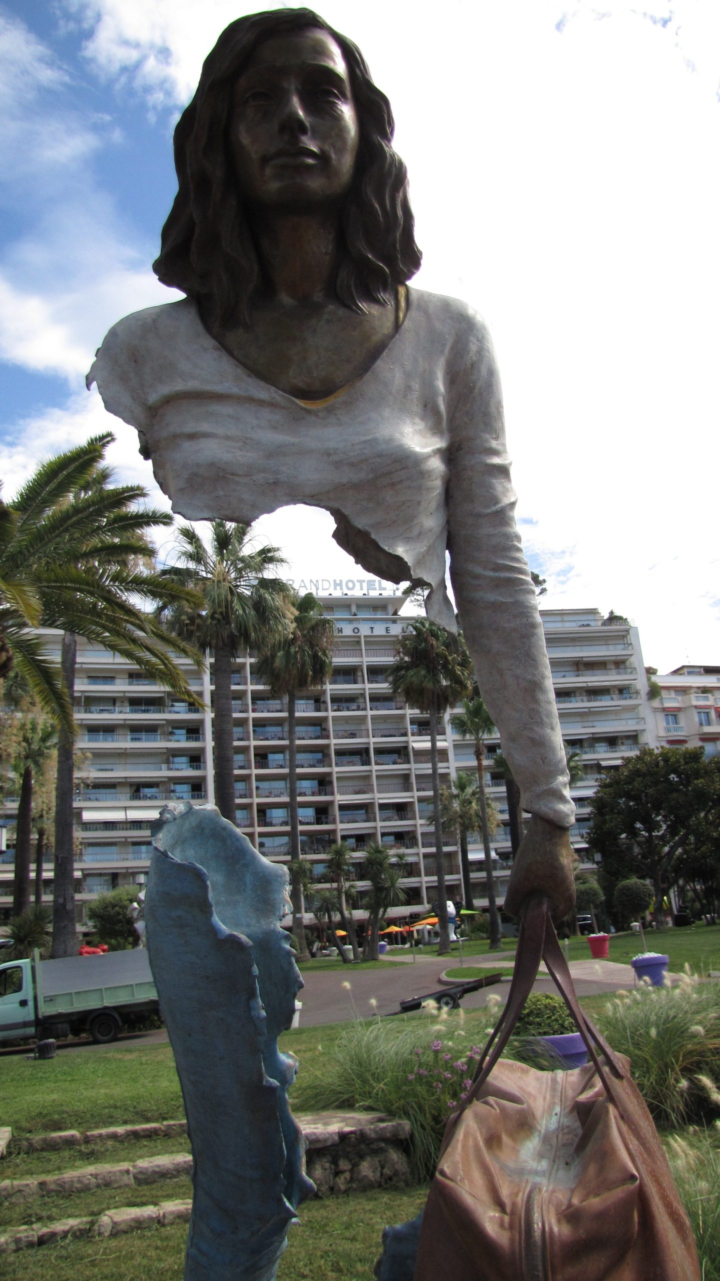 Les Voyageurs by Bruno Catalano